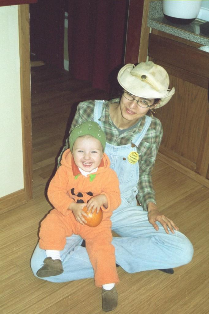 20 months 22 mama haloween
