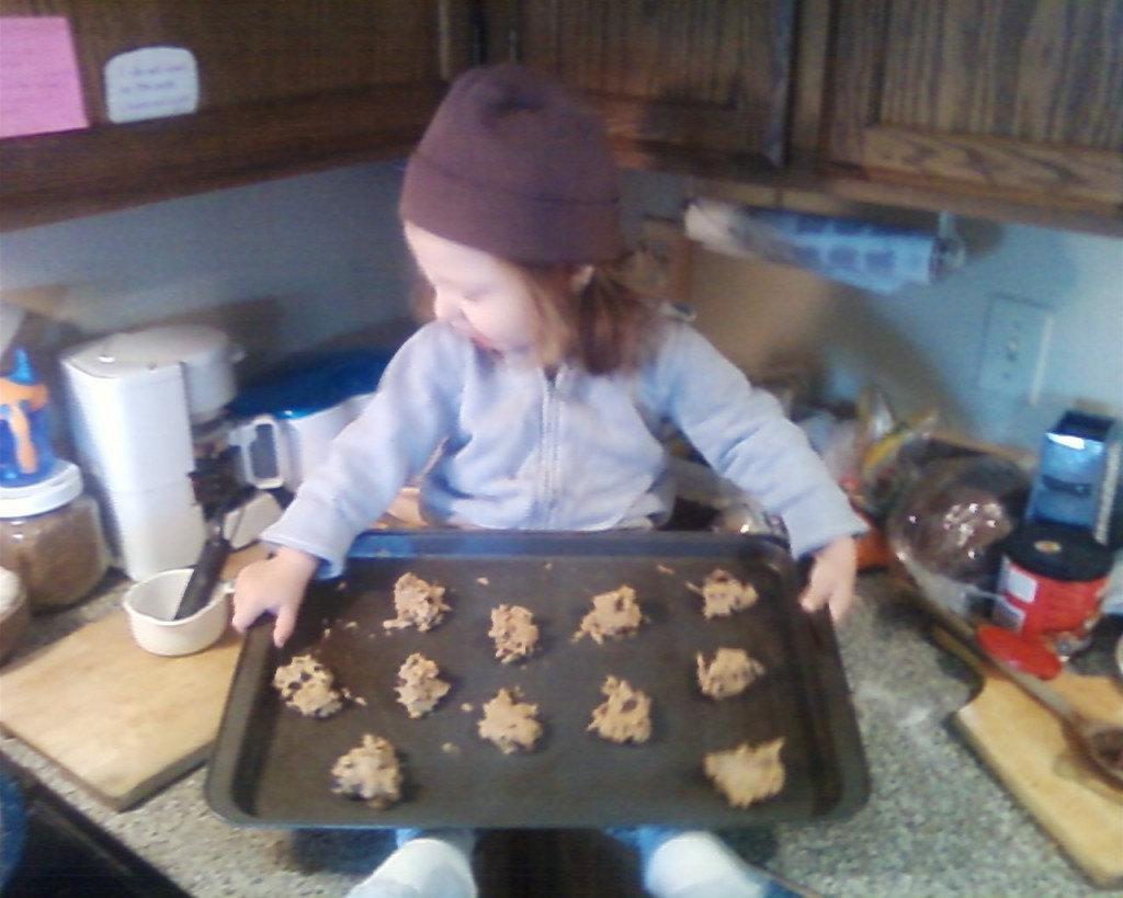 Photo0285 baking cookies together