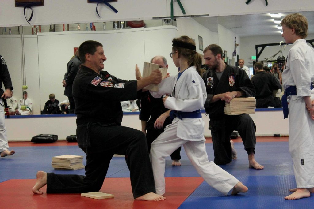 karate-broken-board-img_1475