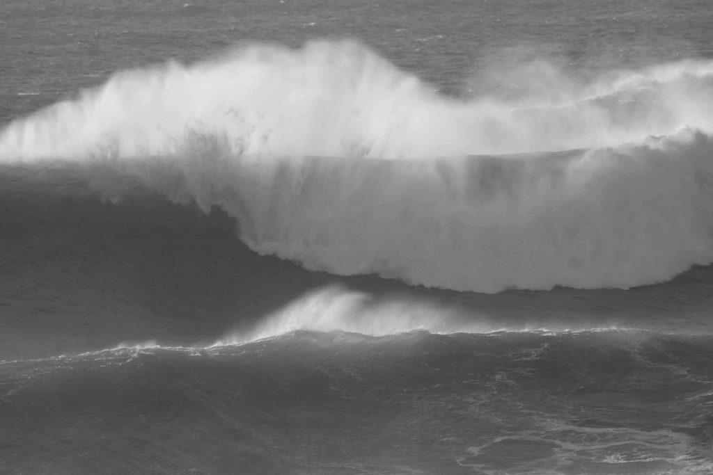 bw-wave-img_2038