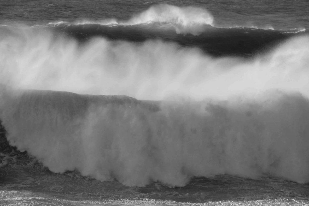 bw-wave-img_2057