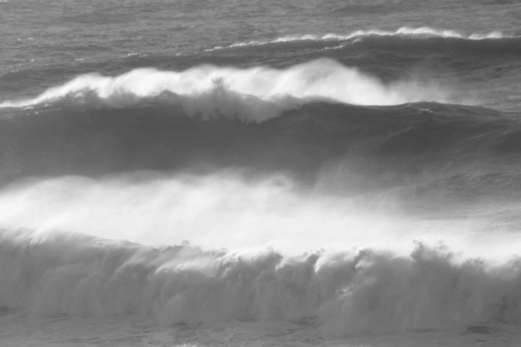 bw-waves-img_2044